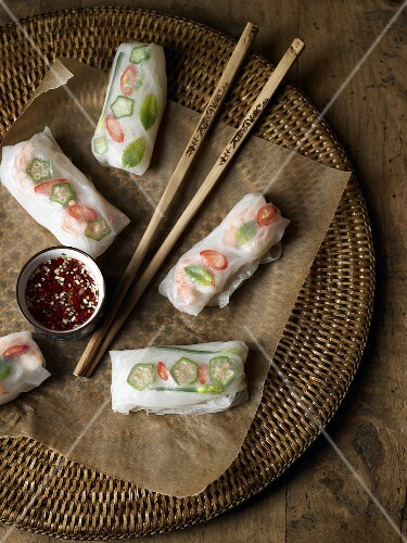 Spring rolls with chilli sauce