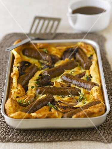 Toad-in-the-hole (UK)