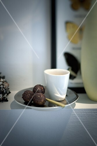 Nutmeg and cinnamon truffles
