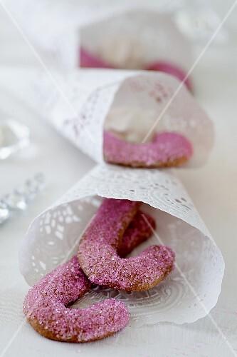 Zuckerstangen in Tortenpapiertüten