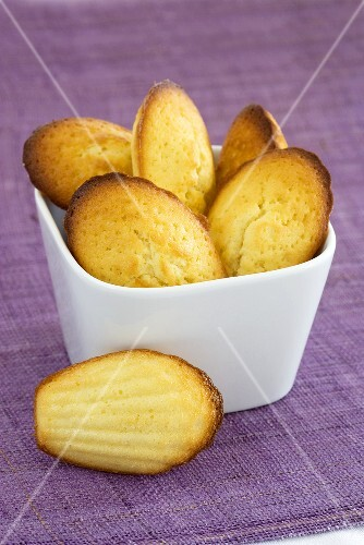 A bowl of madeleines