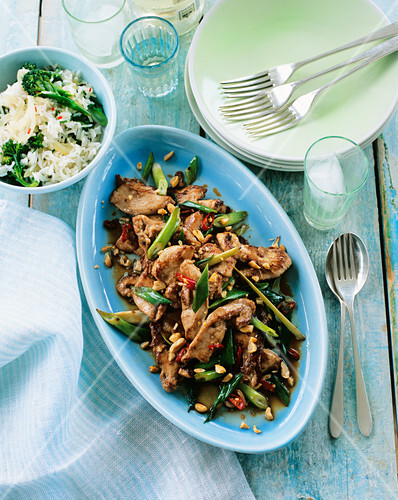 Stir-fried chicken with lemongrass