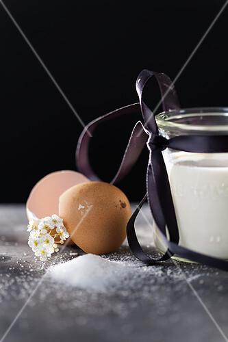 Pot of sugar and egg shell