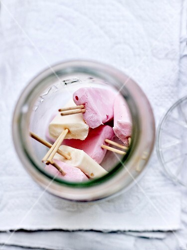 Apricot and raspberry Petits-suisses Paletas
