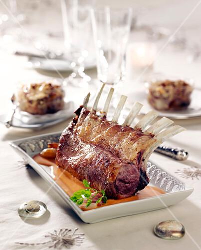 Rack of lamb and shallot gratin
