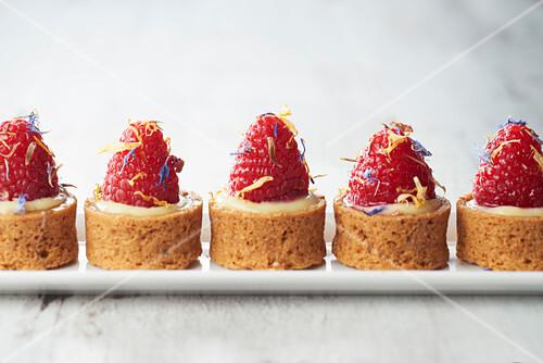 Mini raspberry tartlets