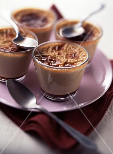 Individual pots of caramel cream