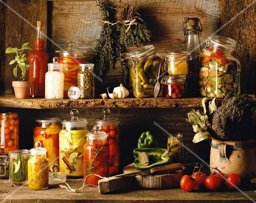 Conserves and bottled vegetable preserves
