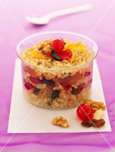 Rice pudding with seven treasures