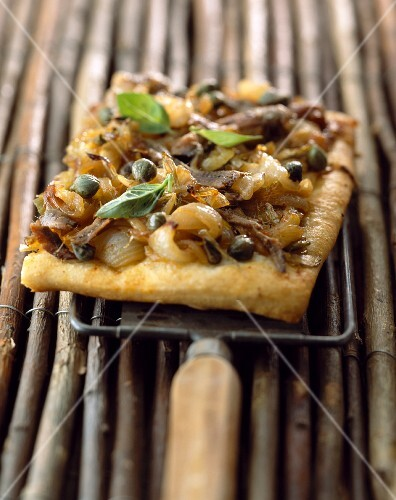 Pizza with capers