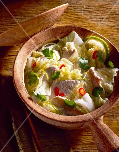 Chinese cabbage and chicken soup