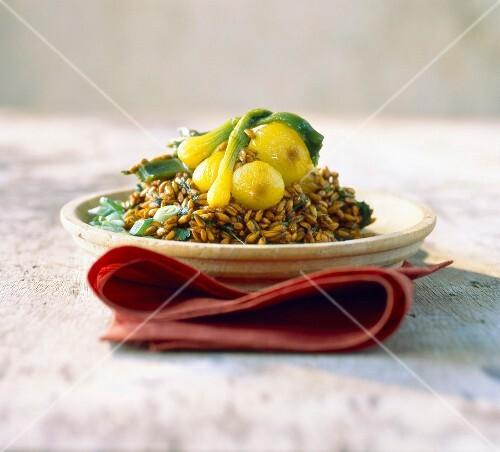 Stewed einkorn wheat with tumeric