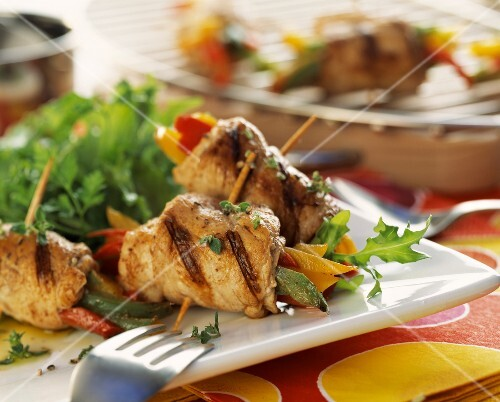 Veal brochettes with peppers