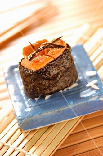 Foie gras sushi, gunkan