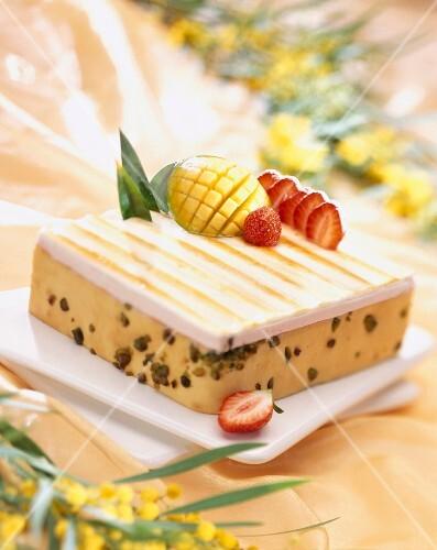 Mango and pistachio Bavarian cream dessert