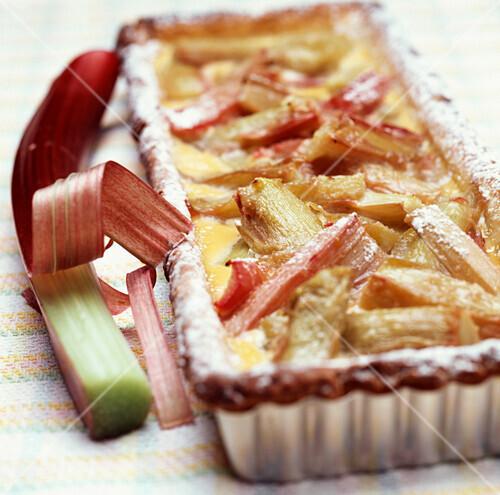 Rhubarb tart with brown sugar