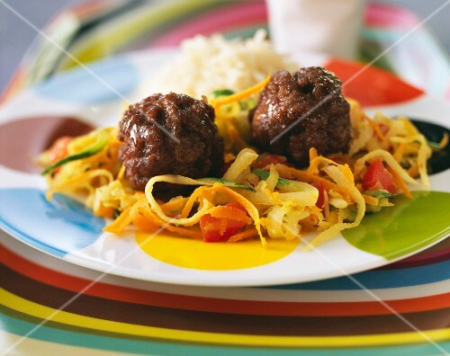 Meatballs with thinly sliced vegetables