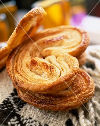 Palmier heart-shaped flaky pastry biscuits