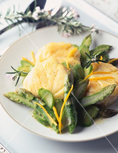 Monkfish with asparagus and orange