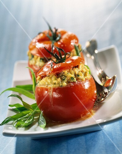 Tomato stuffed with poultry