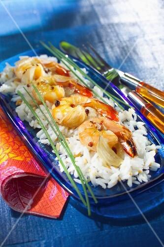 Rice, pine kernel and gamba prawn salad