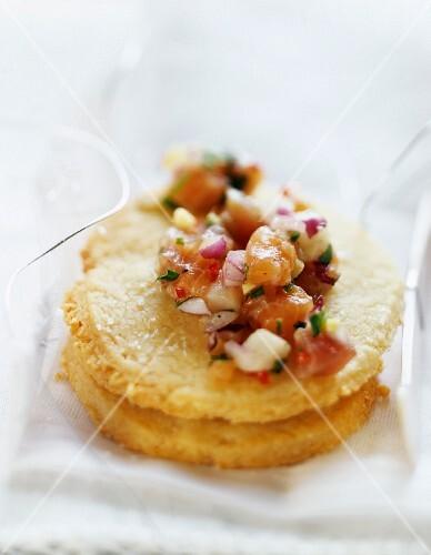 Parmesan shortbread with fish tartare