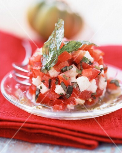 Tomato and goat's cheese tartare
