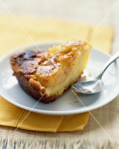 Moist pear pudding