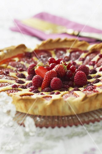Almond tart with summer fruit