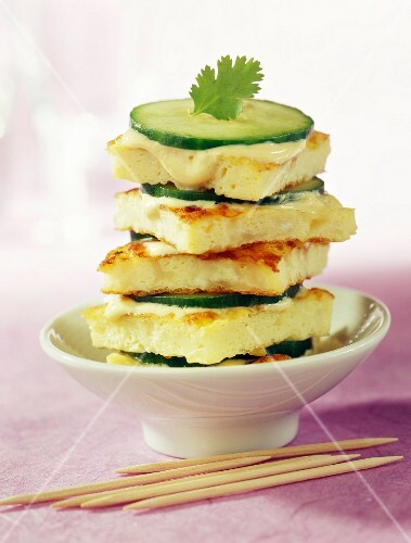 Omelette sandwich with curry and cucumber