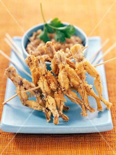 Frog's legs with shallot cream