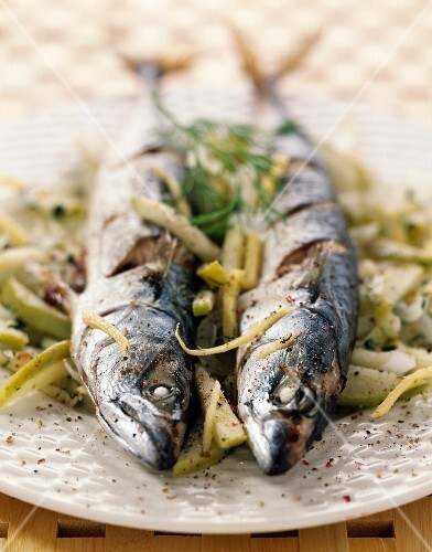 Mackerel papillote with apple and ginger