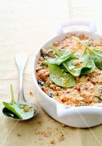 Spinach and fromage frais crumble