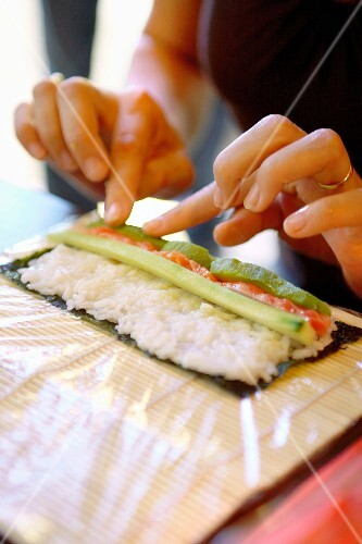 Making makis