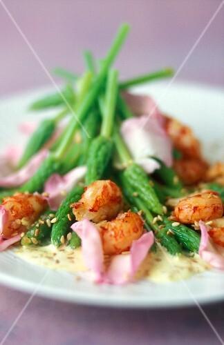 Crayfish salad with wild asparagus and rose petals