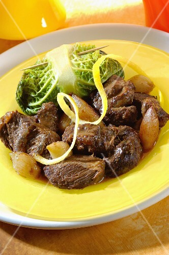 Beef cheeks with spices and cabbage roulade