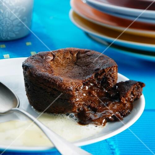 Chaud-froid au chocolat (chocolate cake with a liquid core)