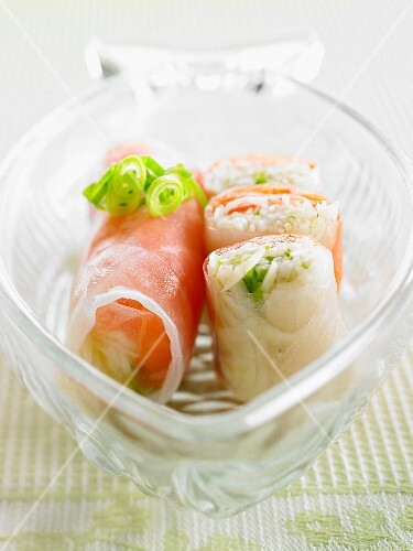 Spring rolls with salmon