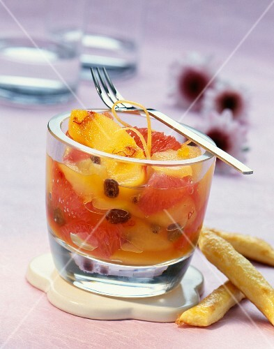 Apple and grapefruit salad with saffron threads