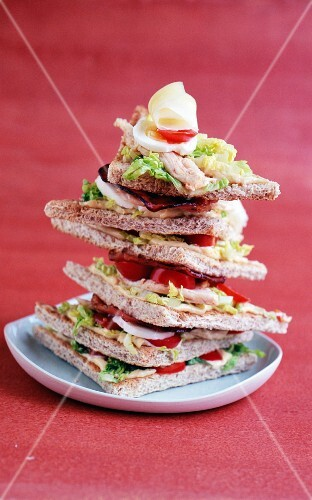 Club sandwich with chicken