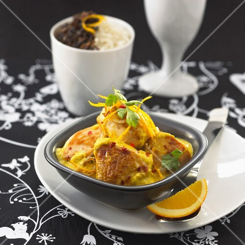 Indian-style chicken with yoghurt sauce