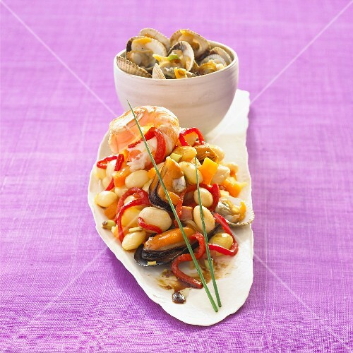 Salad with with Breton beans, mussels and clams