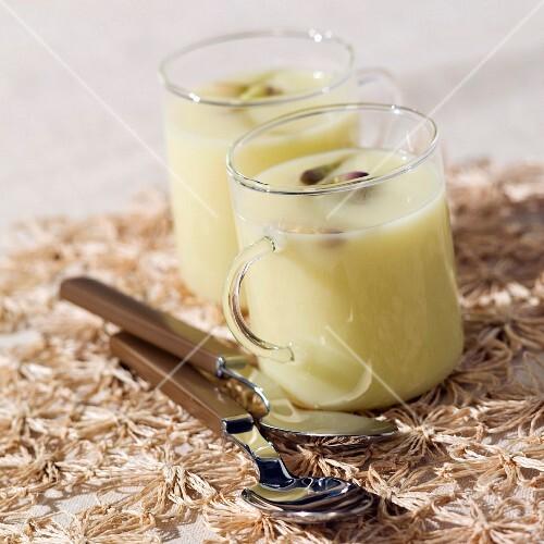 Cream of white asparagus soup