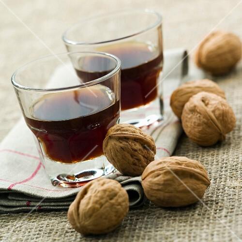 Vin de noix (walnut aperitif)