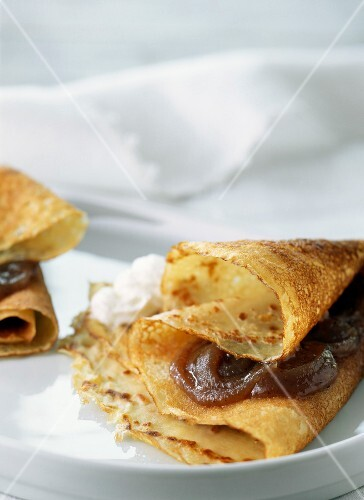 Pancake filled with chestnut cream