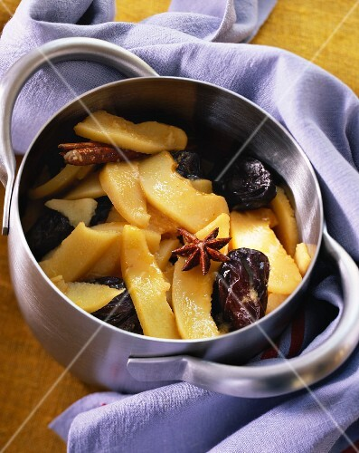 Quince compote in a pot