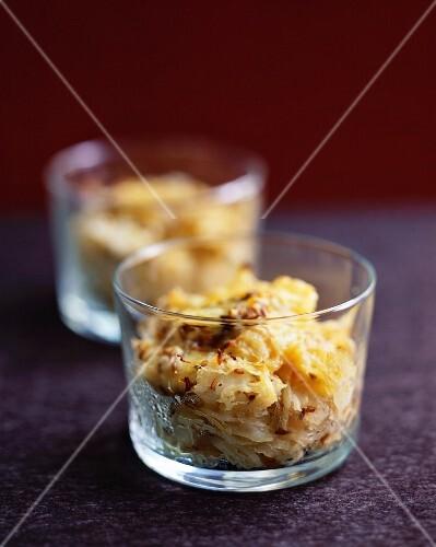 Sauerkraut gratin in glasses