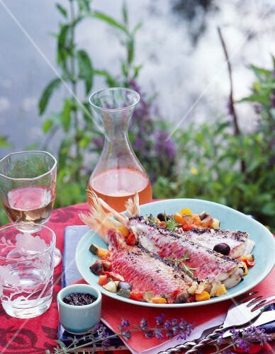 Red mullet with vegetables and tapenade