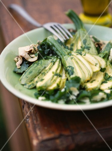 Courgette, mushroom and rocket salad