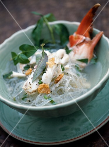 Crab,vermicelle and herb soup